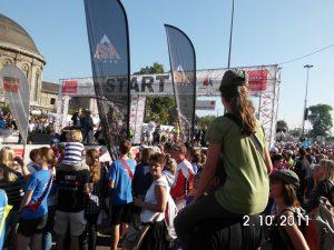 Menschenauflauf am Start