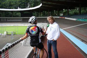 Werner Schleicher erklärt mir das Rennrad
